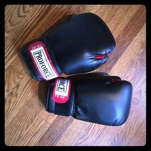 proforce leatherette boxing gloves (never used)